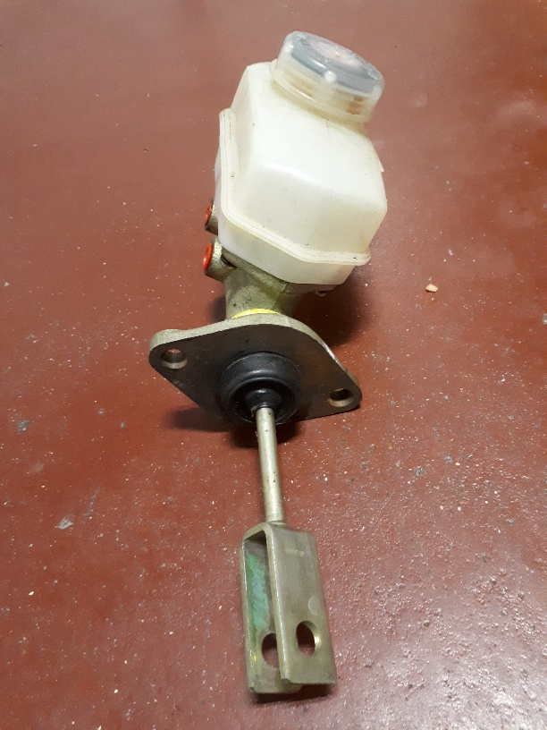 Master Cylinder Price >> NEW Escort mk1 mk2 Girling Master Brake Cylinder with ...
